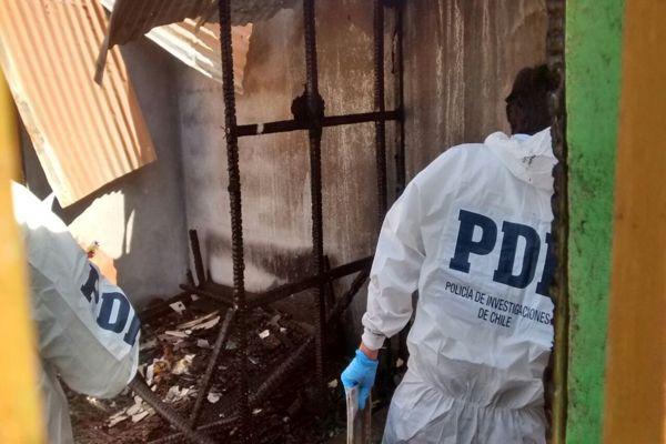 Con peritos quimicos y mecanicos  PDI indaga causa de incendios que termino con un fallecido en Tierra Amarilla