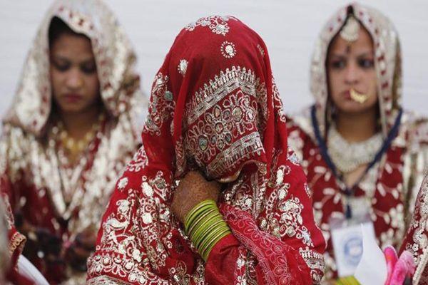 Pánico en India por extraños casos de mujeres que se desmayan y recobran su conciencia con su cabello cortado