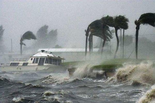 Tifón Noru deja dos muertos y miles de evacuados en Japon