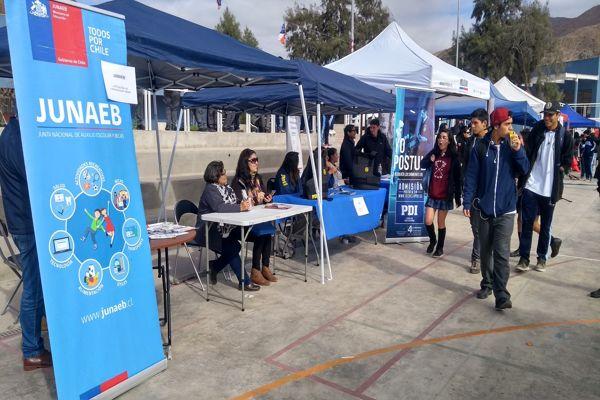 INJUV llevó la #FeriaJoven hasta el Liceo Federico Varela de Chañaral