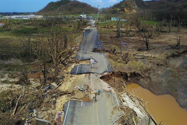 Crisis total en Puerto Rico tras el demoledor paso del huracán María