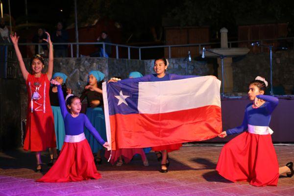 Calderinos brindaron homenaje a Violeta Parra