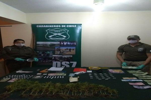 Operativo en conjunto con carabineros y la seccion OS7 detienen a 6 personas por droga en Caldera