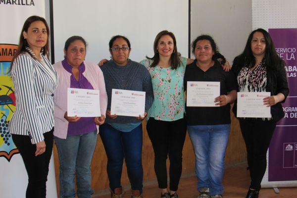 Mujeres de Tierra Amarilla participaron en encuentro comunal de Programa del SernamEG y ejecutado por el municipio local