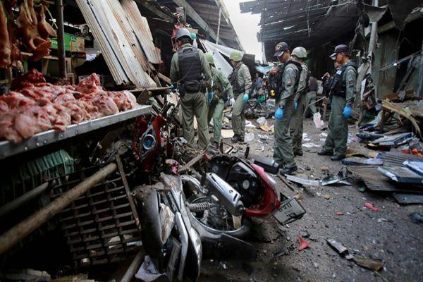 Al menos 3 muertos y 18 heridos deja la explosión de una bomba en un mercado en Tailandia