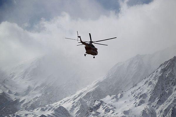Continúa la búsqueda del avión que se estrello en las montañas de Irán