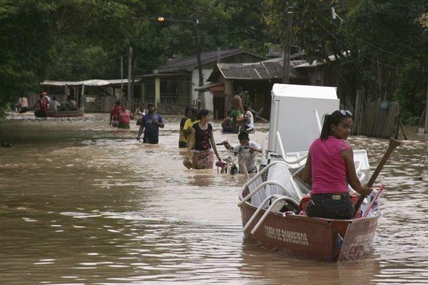 Desborde de ríos dejan al menos un fallecido en el sur de Bolivia
