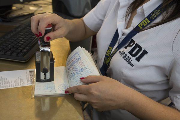 PDI detecta a inmigrantes con mas de un año de clandestinidad en el país