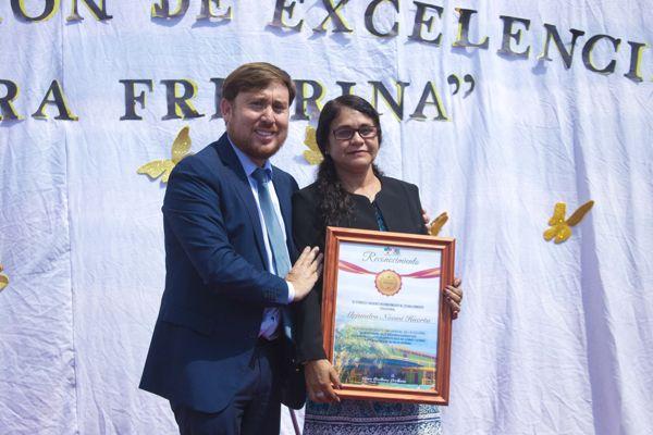 MUNICIPIO DE FREIRINA ENTREGA RECONOCIMIENTO A ESCUELA ALEJANDRO NOEMI HUERTA POR EXCELENCIA ACADÉMICA