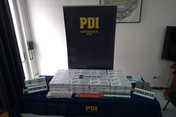 PDI detiene a una mujer por comercializar cigarrillos ilegales