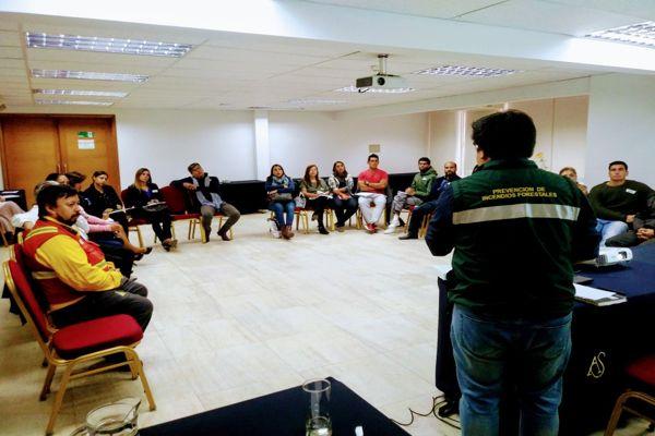 CONAF suma a docentes de Atacama en educación ambiental