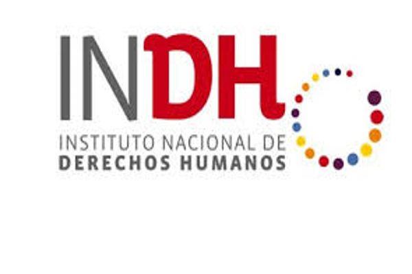Carabineros de Valparaíso negó ingreso de funcionarios INDH a vehículos policiales en marcha estudiantil