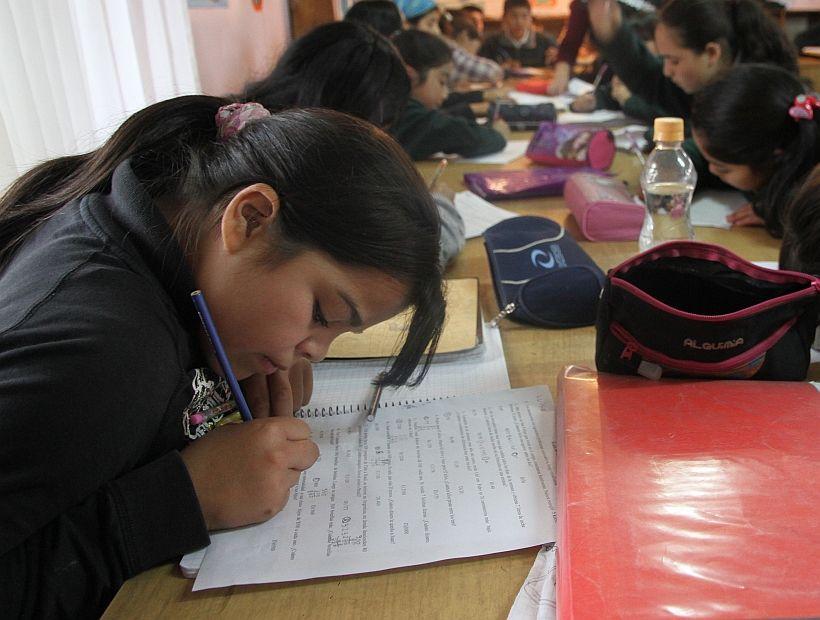 Decreto podría prohibir las tareas escolares los fines de semana