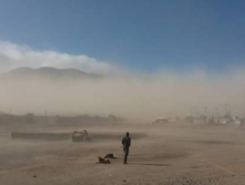 Tormenta de arena sorprendió a vecinos de Chañaral
