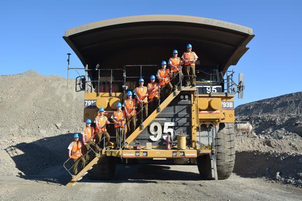 Alto mando de Carabineros de Atacama visitó minera Candelaria