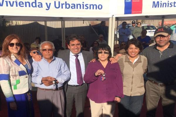 Familias reciben viviendas reconstruidas en Diego de Almagro por los aluviones de marzo de 2015.