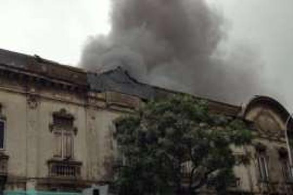Familias pierden todos sus cosas en incendio de cite de Santiago