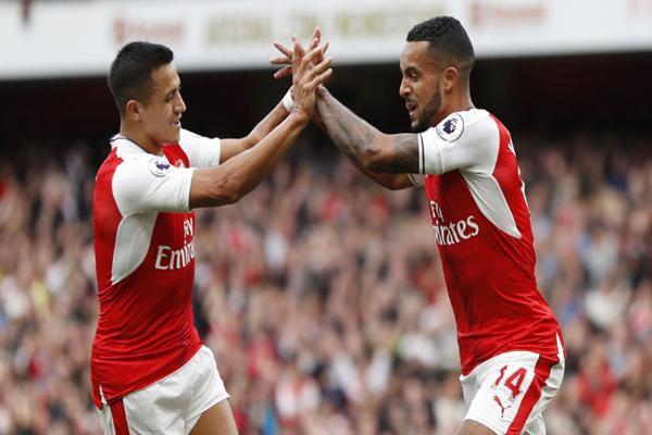 Sánchez brilló con una espectacular asistencia en el triunfo con Arsenal