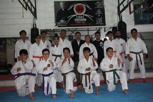 KARATECAS ATACAMEÑOS APRENDEN DE SENSEI INTERNACIONAL