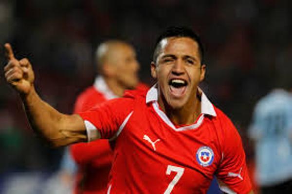 Sánchez felicitó a compañeros de la 'Roja': Estoy orgulloso, dejaron todo en la cancha