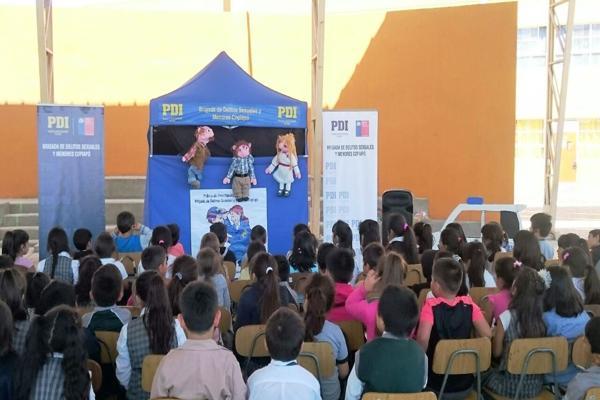 PDI se traslada a Caldera para prevenir agresiones sexuales en menores