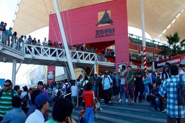 Trabajadores bloquean accesos a zona franca en Iquique