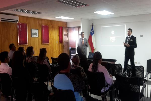 PDI de Chañaral se reune con vecinos para dialogar sobre Seguridad Ciudadana
