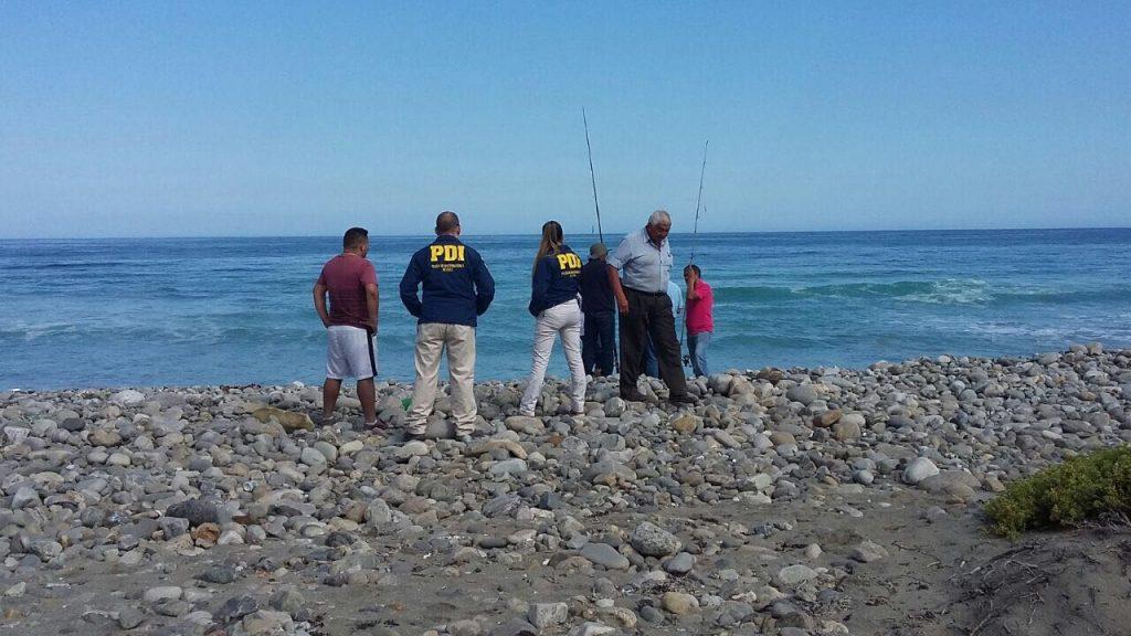 Detectives recorren mas de 30 km de borde costero en Huasco en labores de fiscalizacion