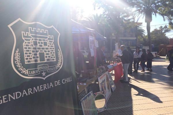 Trabajos de alumnos privados de libertad de Vallenar  se expusieron en Plaza de Armas