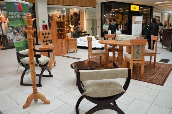 Internos venden sus productos en Mall Plaza de Copiapo