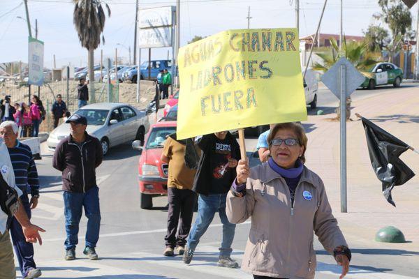 Calderinos marcharon contra aguas Chañar