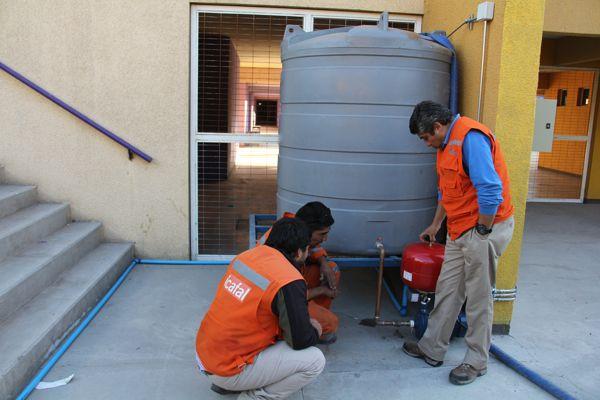 Aguas Chañar instala sistema que refuerza el abastecimiento de aguas en colegios