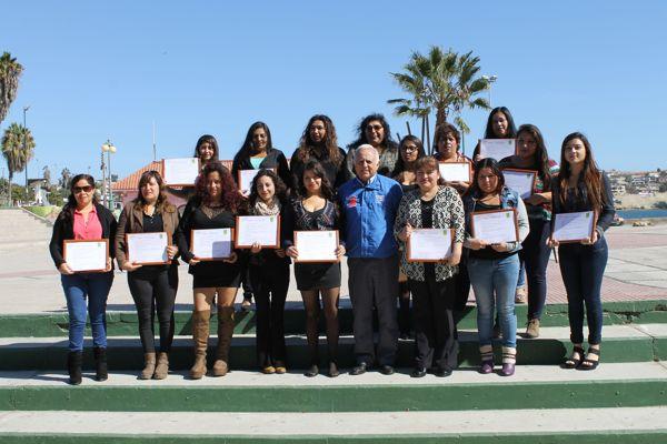 """Alumnas de Más Capaz de Caldera destacan los beneficios del programa: """"Cuando uno quiere, se puede"""""""