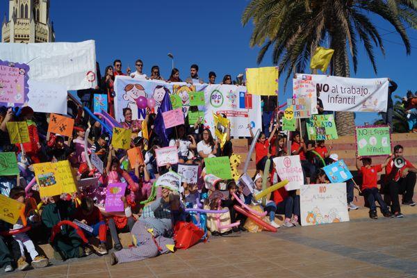 En Caldera niños y niñas marcharon para conmemorar el día contra el trabajo infantil