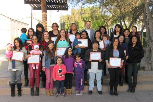 14 mujeres de Caldera finalizaron curso de Dirección y Gestión de Microempresas del SernamEG