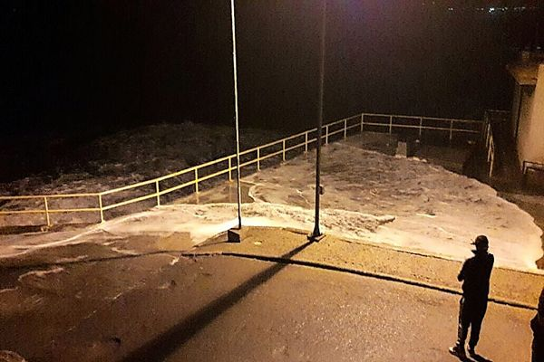 Cierran puerto de Chañaral por fuertes marejadas