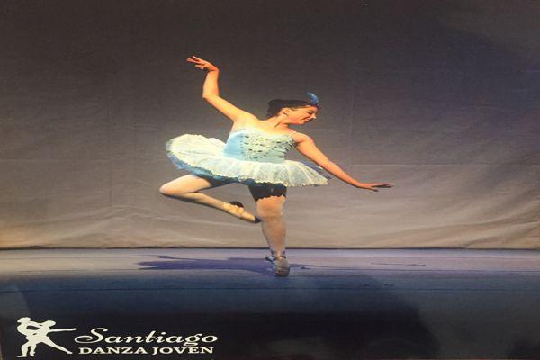 Joven bailarina de Copiapo es becada para perfeccionarse en academia de ballet en Santiago