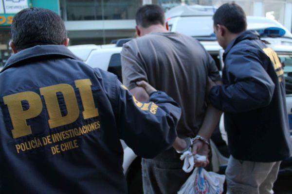PDI detiene a conductores de empresa que simularon extravió de $1 millon y medio para apropiarse del dinero