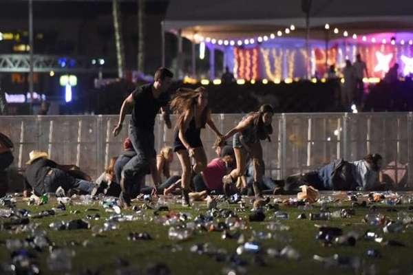 Más de 50 muertos y 200 heridos en un tiroteo durante un concierto en Las Vegas