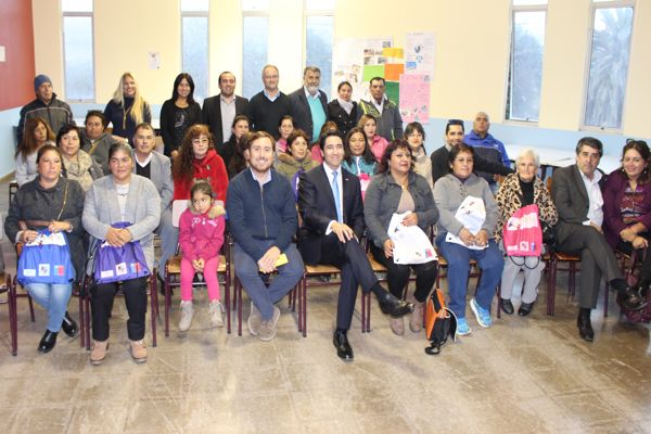 La oficina municipal de información laboral implementa plan de alfabetización para 20 vecinos de Freirina