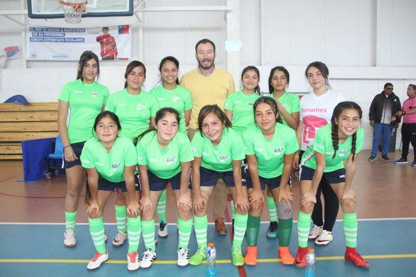 Liceo Fernado Ariztia se corona campeón comunal del futsal damas