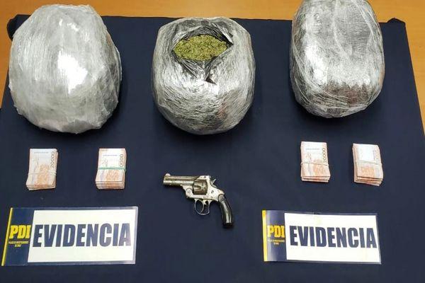 PDI detiene a cinco personas por trafico e infracción a la ley de armas