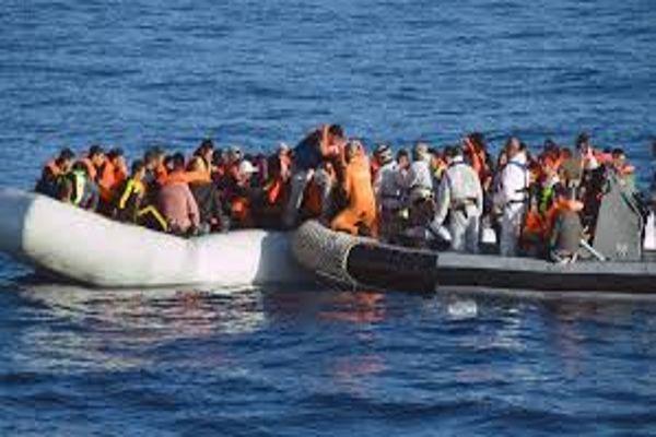 España rescata a 340 migrantes en medio del Mediterráneo