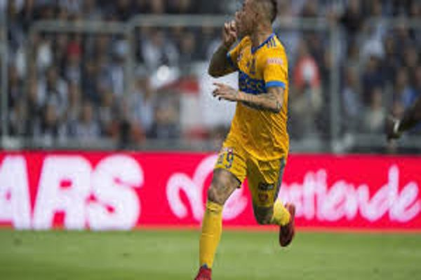 Eduardo Vargas está a detalles de ser refuerzo de Flamengo