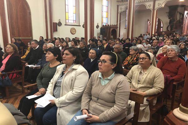 Tierra Amarilla festeja la restauración del templo Nuestra Señora de Loreto