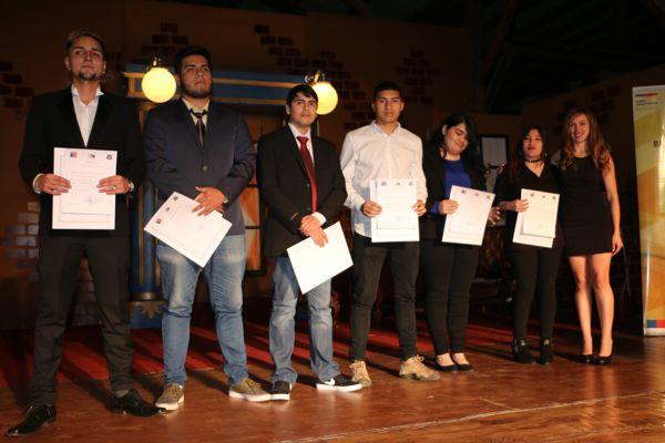 Liceo Manuel Blanco Encalada realiza ceremonia de titulación