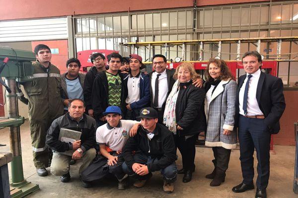 Seremi de Educación se reúne con estudiantes Técnico Profesionales de Liceo Federico Varela de Chañaral