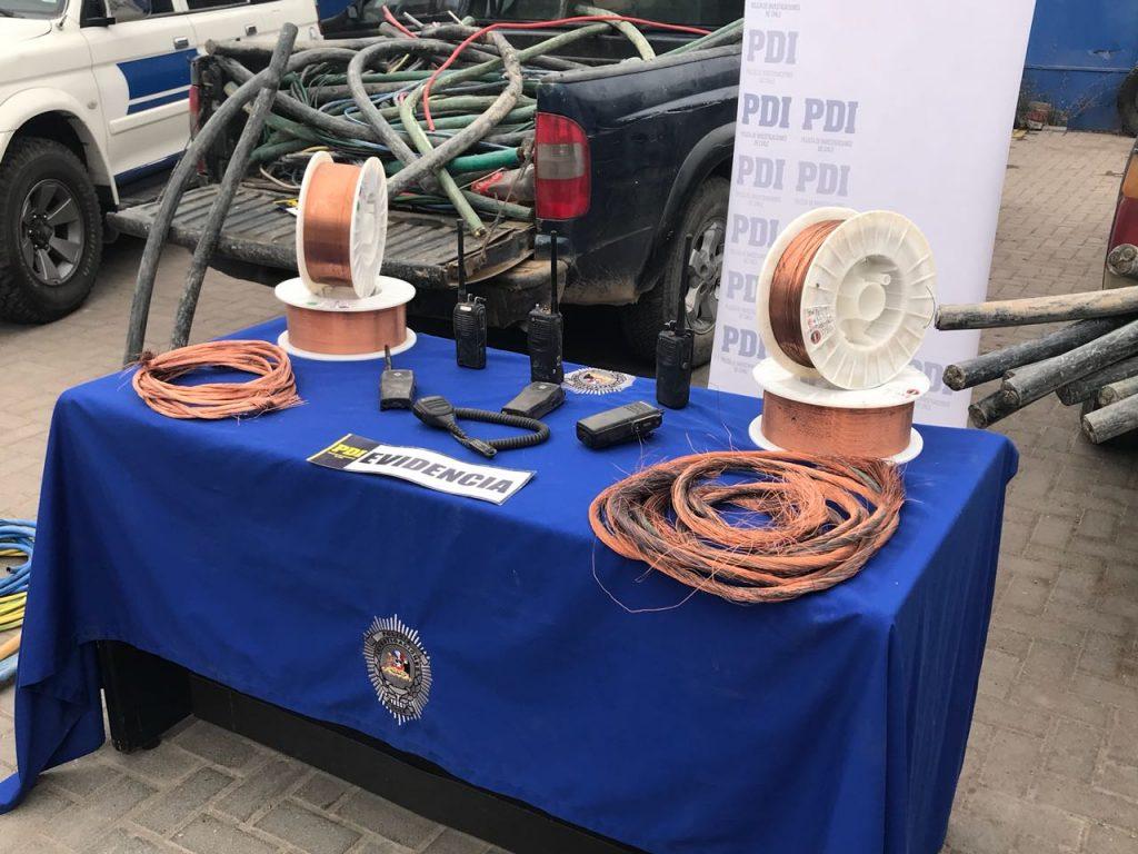 PDI detiene a tres sujetos e incauta cinco toneladas de cable de cobre