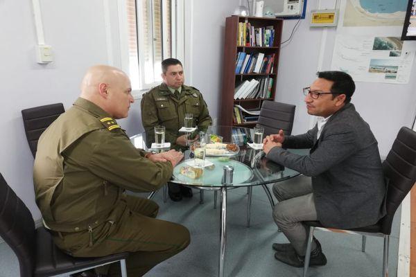 General Tobar sostuvo encuentro con alcalde de Chañaral