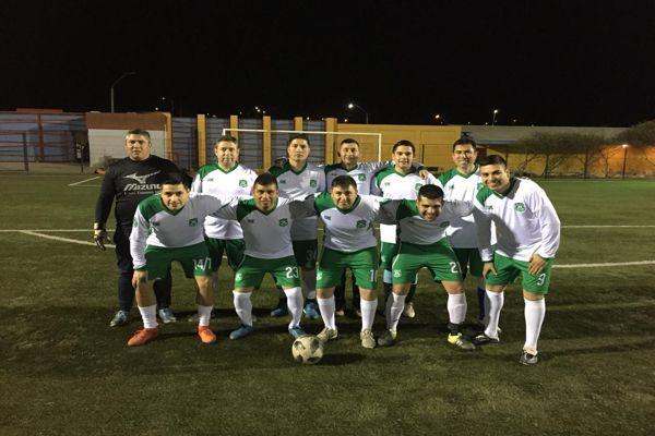 Carabineros compartió partido de fútbol con jóvenes de chañaral